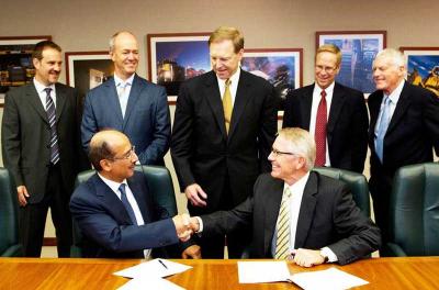 Altaaqa Global and Caterpillar sign power deal