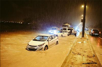 Rain overwhelms Kuwait utilities