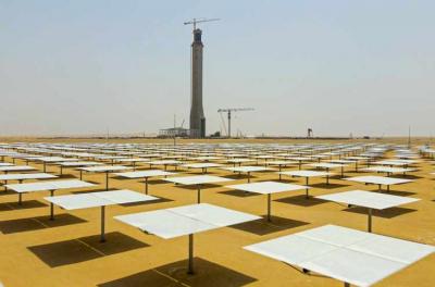 Emirates Insolaire Solar installs Panels at Dubai's mega solar park