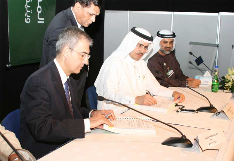 Dewa CEO Al Tayer has signed an MoU with the UN to minimise emissions.