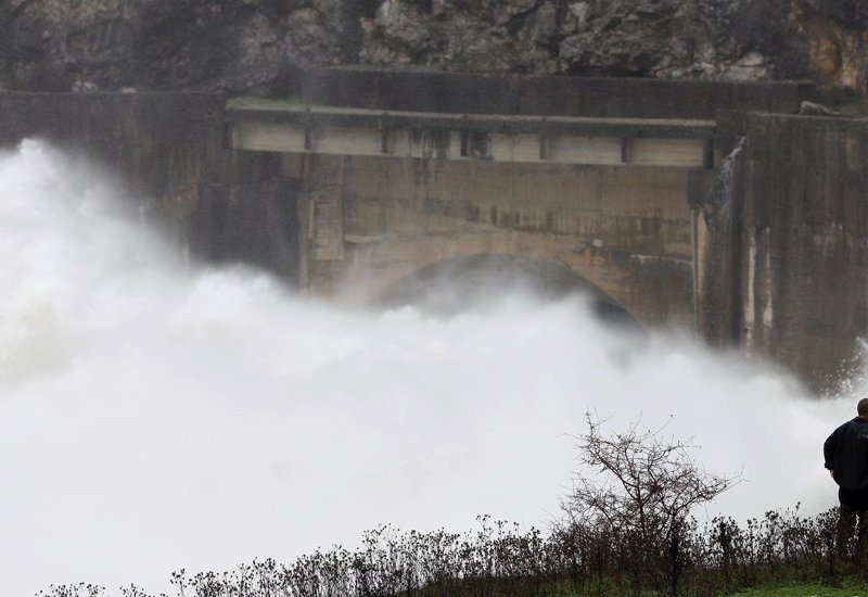Iranian president to inaugurate new hydro projects. (Getty Images)