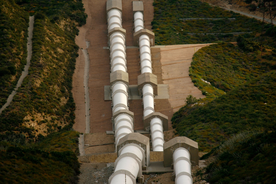 Ageing water pipes renovated in UK trial (Getty Images)