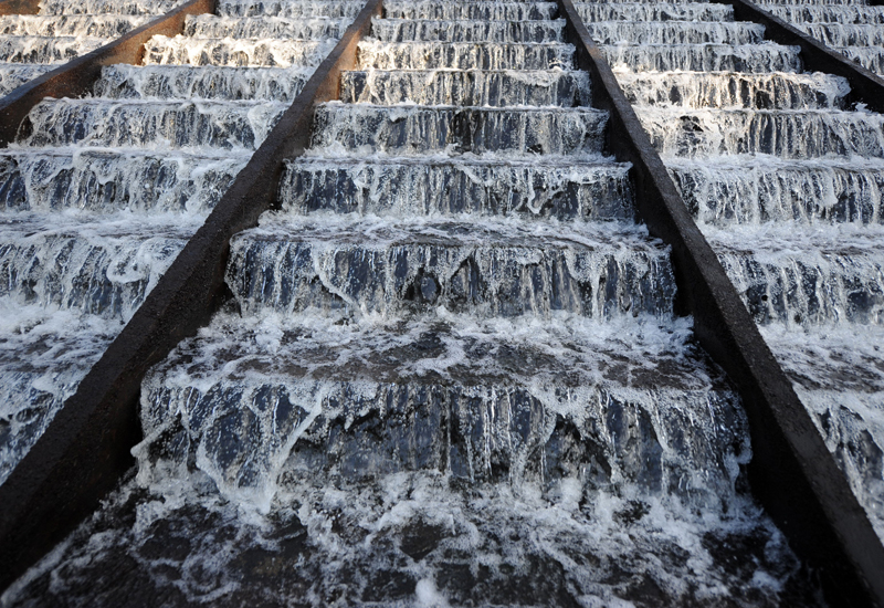 The project also addresses the need to expand the transmission and distribution networks of wastewater flowing from the sewage plant and use it for irrigation of green spaces and agricultural areas