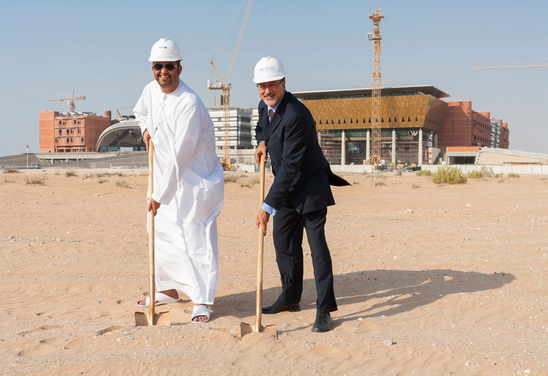 Dr Sultan Ahmed Al Jaber of Masdar and Adnan Amin, IRENA, break ground on the new site.