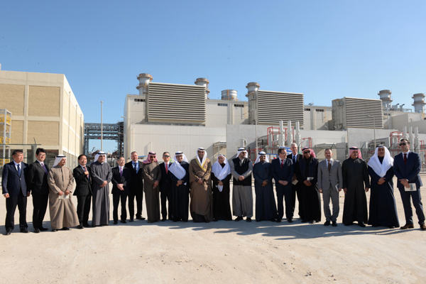 Minister of State for Cabinet Affairs, Minister of Electricity and Water Sheikh Mohammad Al-Sabah and other senior government officials during a tour of the facility