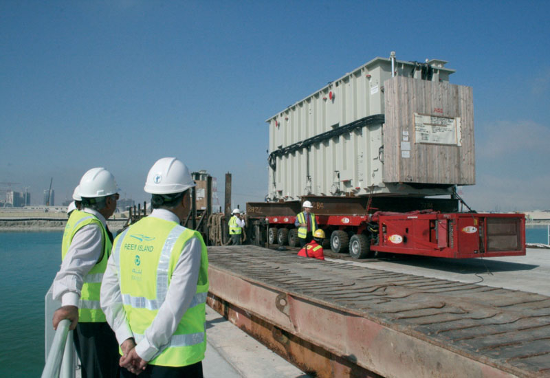 Each transformer measured 12.5m (L) x 4.1m (W) x 5m (H) and weighed in at 370 tons.