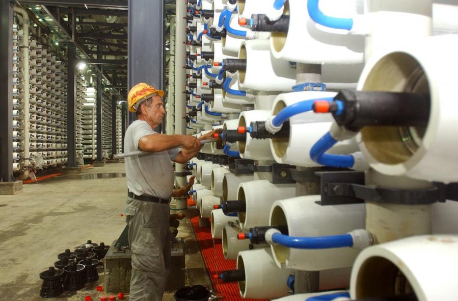 Water infrastructure, Desalination, Seawater desalination, Public-private participation
