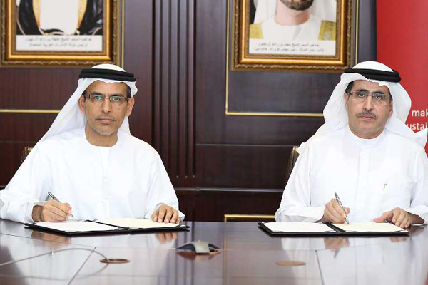 Saeed Mohammed Al Tayer (Right), chairman of Etihad Esco, and Abdulrahman Al Saleh, chairman of Drydocks World