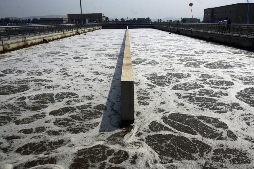 Gas emanating from sewage treatment can be harnessed to power the process.
