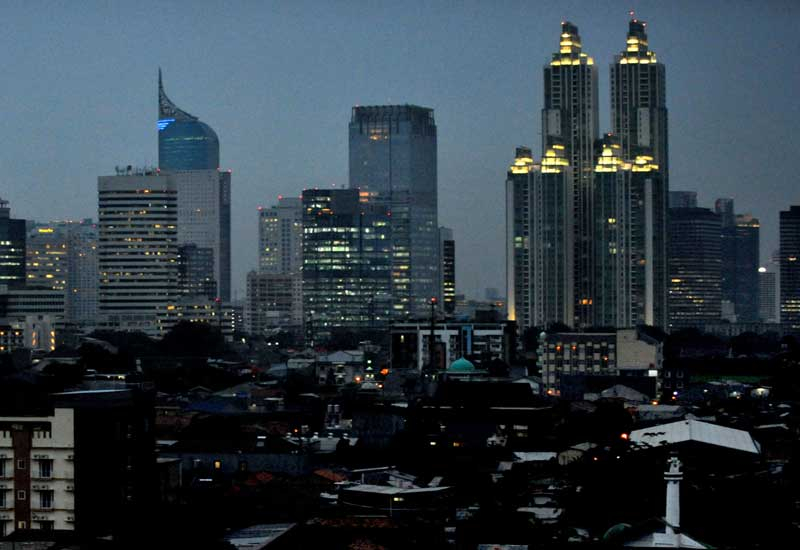 Jakarta at night. Telvent will supply advanced natural gas administration applications to Pertamina for its gas management system. (GETTY IMAGES)