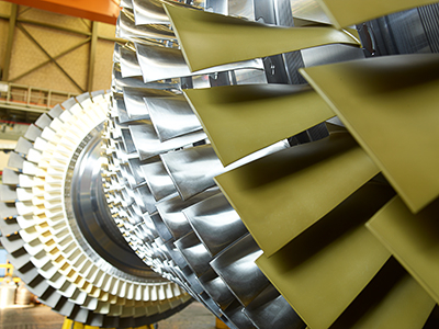 The picture shows a rotor of a Siemens SGT54000F gas turbine. Siemens is supplying three machines of this type for Unit H Phase 4 of the Al Aweer power plant complex in Dubai