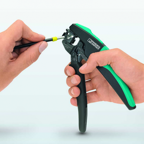 The pliers can also process TWIN ferrules reliably thanks to the self-adjusting mechanism