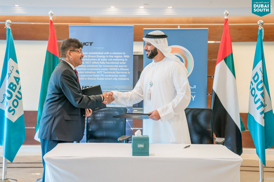 Ismail Al Marzooqi (right), CEO of South Energy, with Unni Krishnan, CEO of HCT & HCC Group following the agreement signing