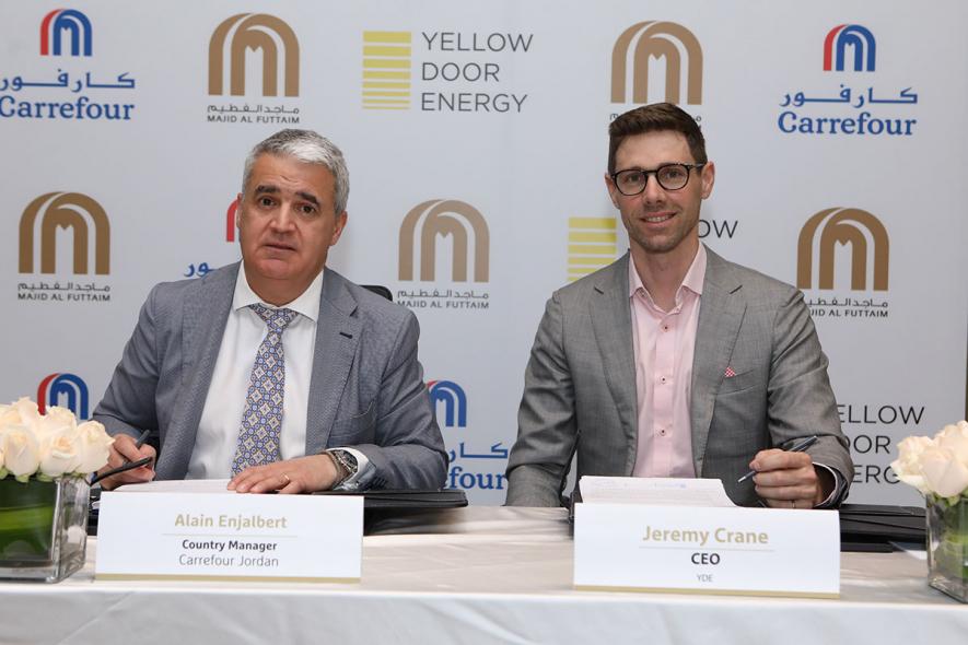 Agreement signing between Carrefour Jordan and Yellow Door Energy
